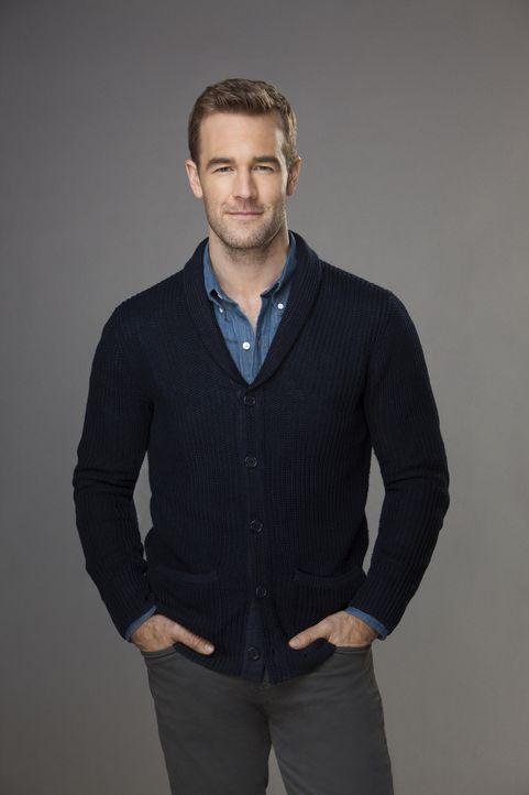 (1. Staffel) - Ist erst seit Kurzem von seiner Ehefrau getrennt, möchte dies jedoch nicht richtig wahrhaben: Will (James Van Der Beek) ... - Bildquelle: 2013 CBS Broadcasting, Inc. All Rights Reserved.