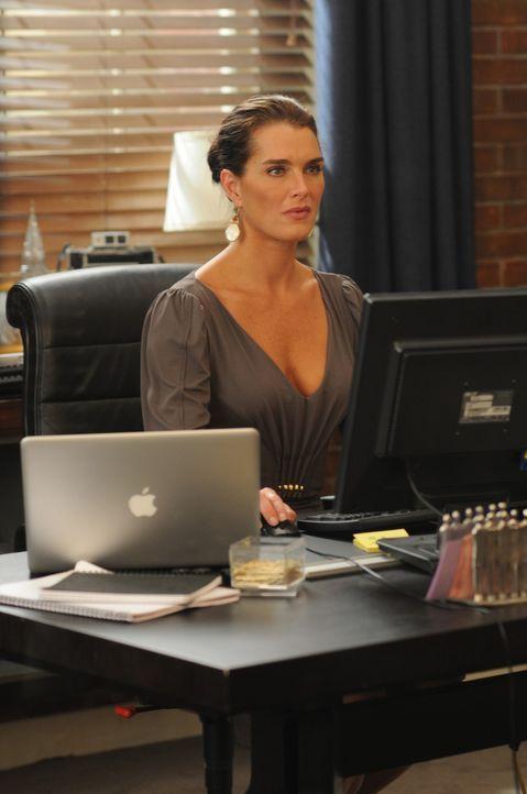 Ahnt noch nicht, dass sie bald Ärger bekommen wird: Wendy (Brooke Shields) ... - Bildquelle: NBC, Inc.
