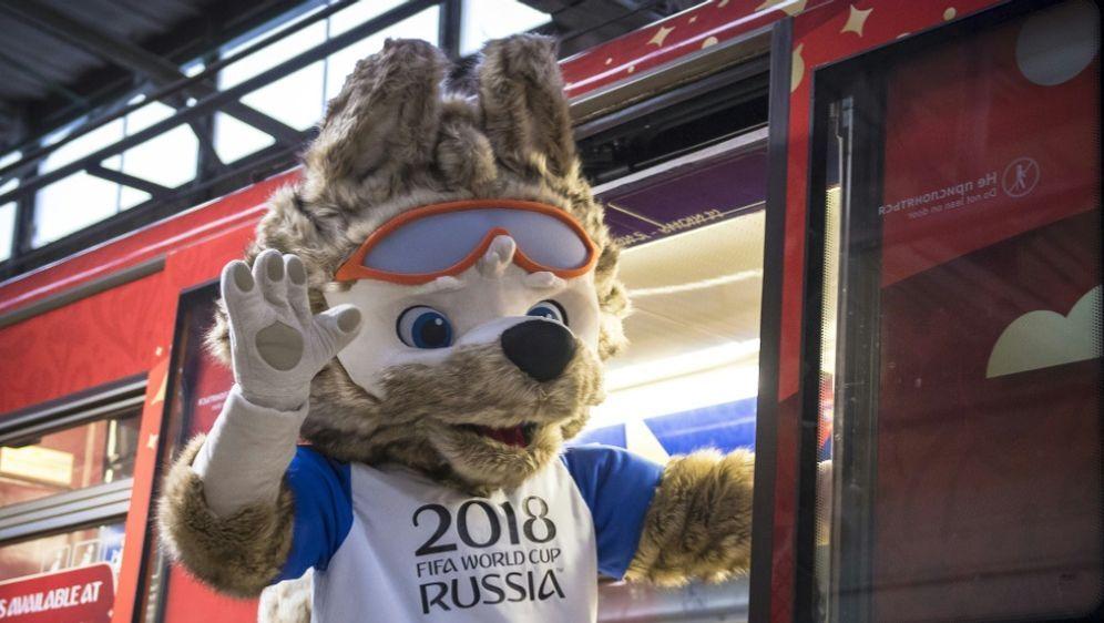 Begehrte Karten: Großer Ansturm auf Russland-WM-Tickets - Bildquelle: AFPSIDMLADEN ANTONOV