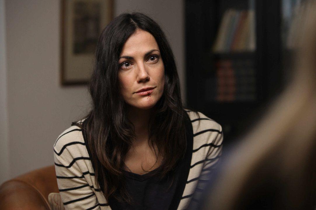 Anwaltsgattin Sandra Liebig (Bettina Zimmermann) wird Opfer von LKW-Fahrern, die auf den Autobahnen nach Ehepaaren mit Kindern suchen, um sie wortw - Bildquelle: 2013 Tandem Productions GmbH, TF1 Production SAS. All rights reserved