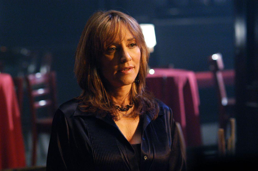Weiß Francie Lewis (Katey Sagal), die Besitzerin eines früheren Comedy Clubs, wie Marty Golden damals ums Leben kam? - Bildquelle: ABC Studios
