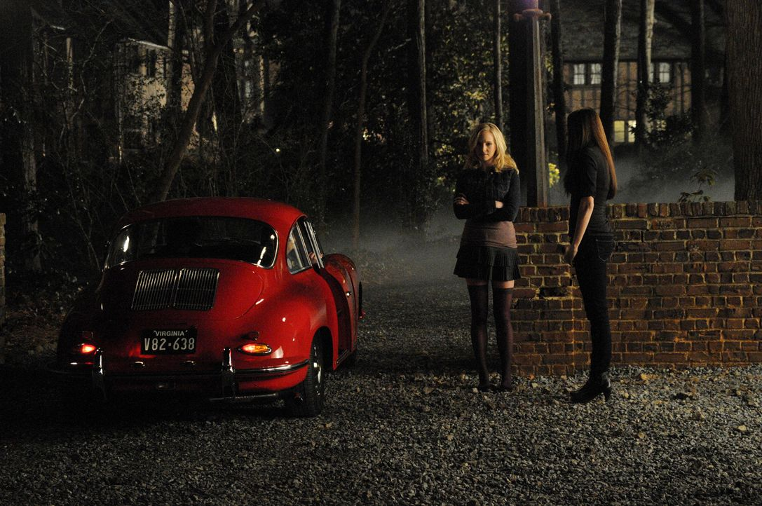 War das Doppel-Date wirklich eine gute Idee? (v.l.n.r.: Candice Accola, Nina Dobrev) - Bildquelle: Warner Bros. Television