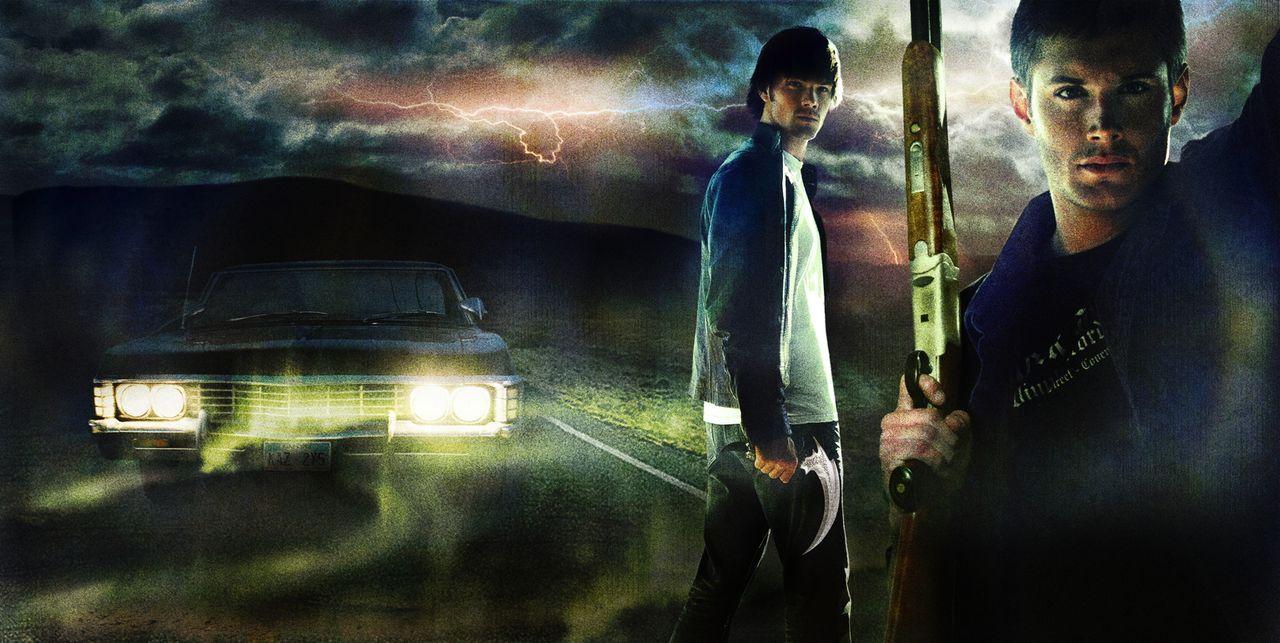 (1. Staffel) - Nach dem spurlosen Verschwinden ihres Vaters, machen sich Sam (Jared Padalecki, l.) und Dean Winchester (Jensen Ackles, r.) in ihrem... - Bildquelle: Warner Bros. Television