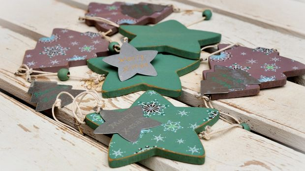 Weihnachtsdeko aus holz ideen f r naturschmuck sat 1 - Fingerfarben ideen ...