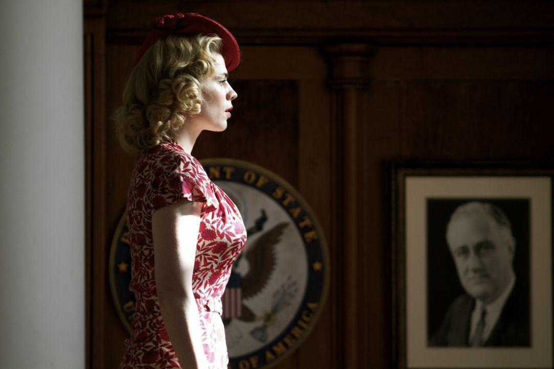 Ihre Arbeit als Spionin bringt Eva Delectorskaya (Hayley Atwell) in die Vereinigten Staaten von Amerika, wo sie einen ganz besonderen Auftrag bekomm... - Bildquelle: TM &   2012 BBC