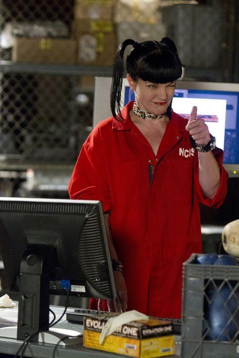 Bei den Ermittlungen: Abby (Pauley Perrette) ... - Bildquelle: CBS Television