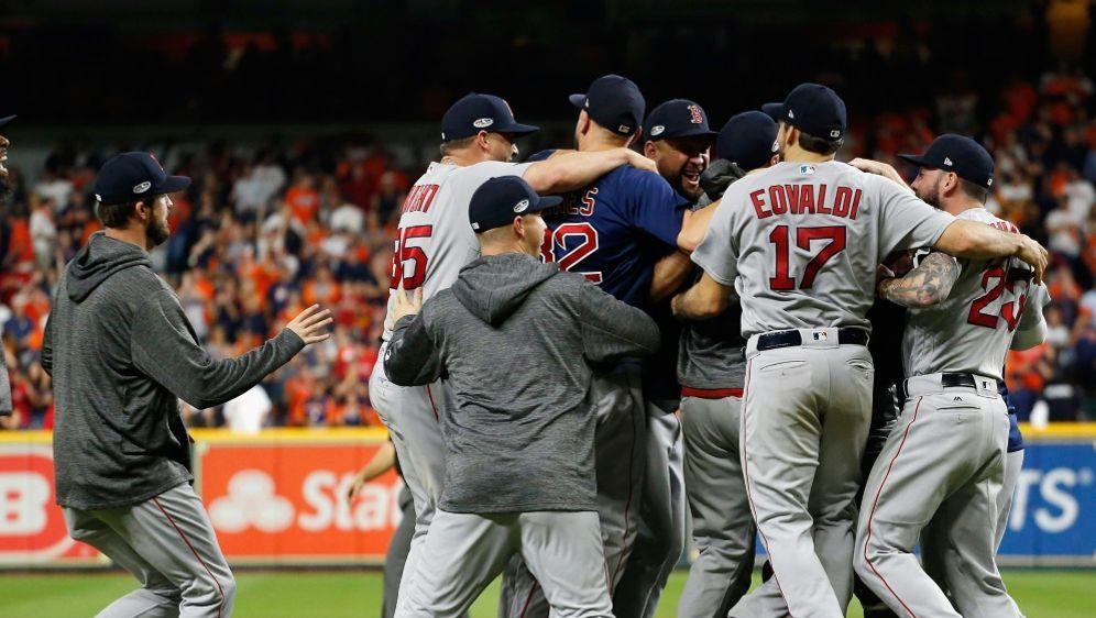 Red Sox feiern Einzug in World Series - Bildquelle: SIDBob Levey