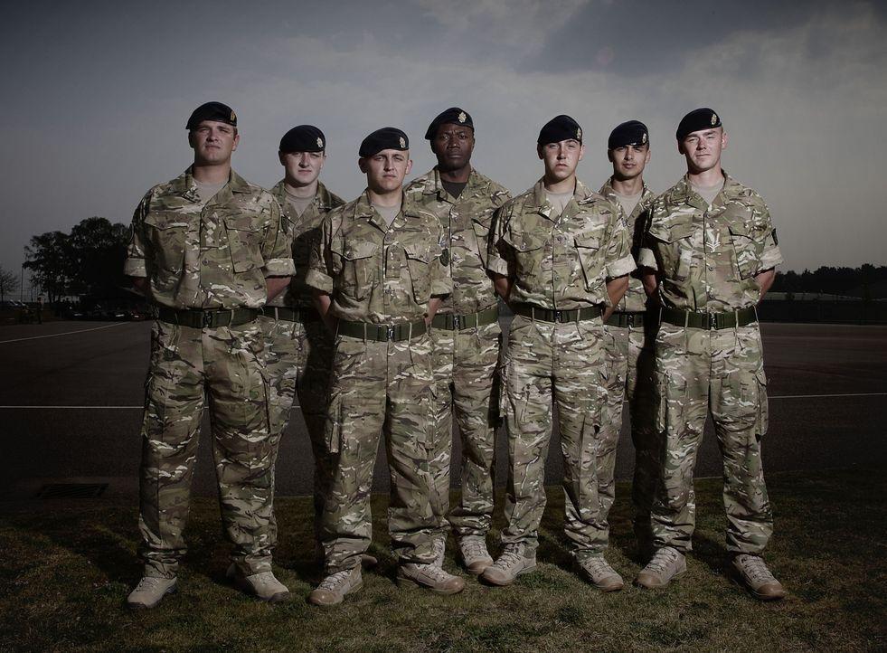 """Jeder Einsatz kann sie das Leben kosten! """"Bomb Squad"""" begleitet die Arbeit von Bombenentschärfungsteams in Afghanistan: (v.l.n.r.) Mike, Tommo, Rook... - Bildquelle: Richard Ansett BBC"""