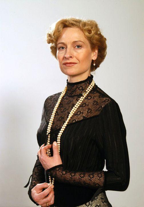 Charlotte Gravenhorst (Mignon Remé) - Bildquelle: Aki Pfeiffer Sat.1