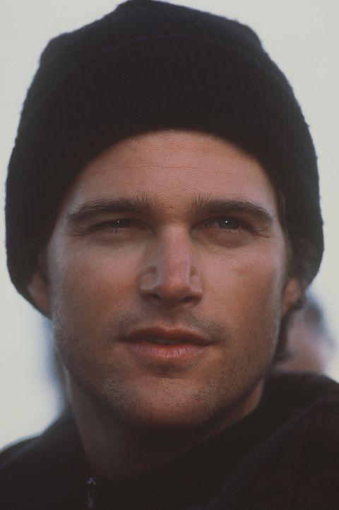"""Nach einem tragischen Kletterunfall hat er das Bergsteigen aufgegeben und sich mittlerweile als Fotograf für """"National Geographics"""" einen Namen gem... - Bildquelle: Columbia Pictures"""