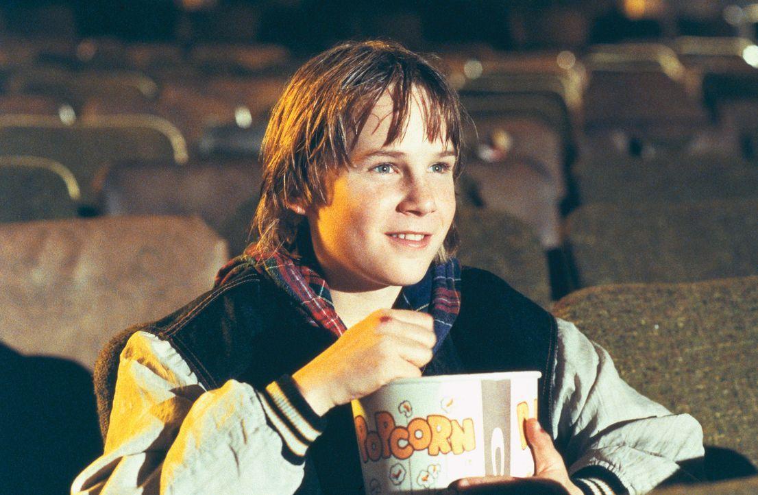 Der elfjährige Danny (Austin O'Brien) hat den Actionhelden Jack Slater zu seinem unangefochtenen Liebling erkoren. Er kennt alle Slater-Filme auswe... - Bildquelle: Columbia Pictures