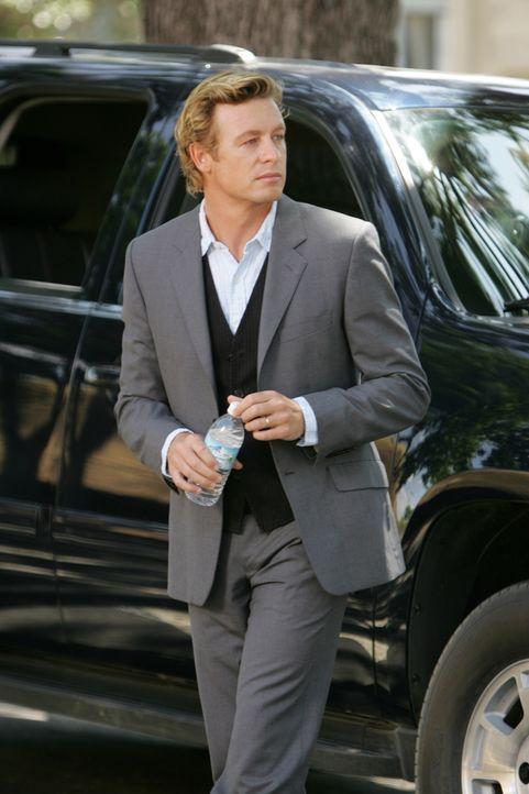 Löst mit seinem besonderen Gespür für Menschen komplizierte Mordfälle: Patrick Jane (Simon Baker) ... - Bildquelle: Warner Bros. Television