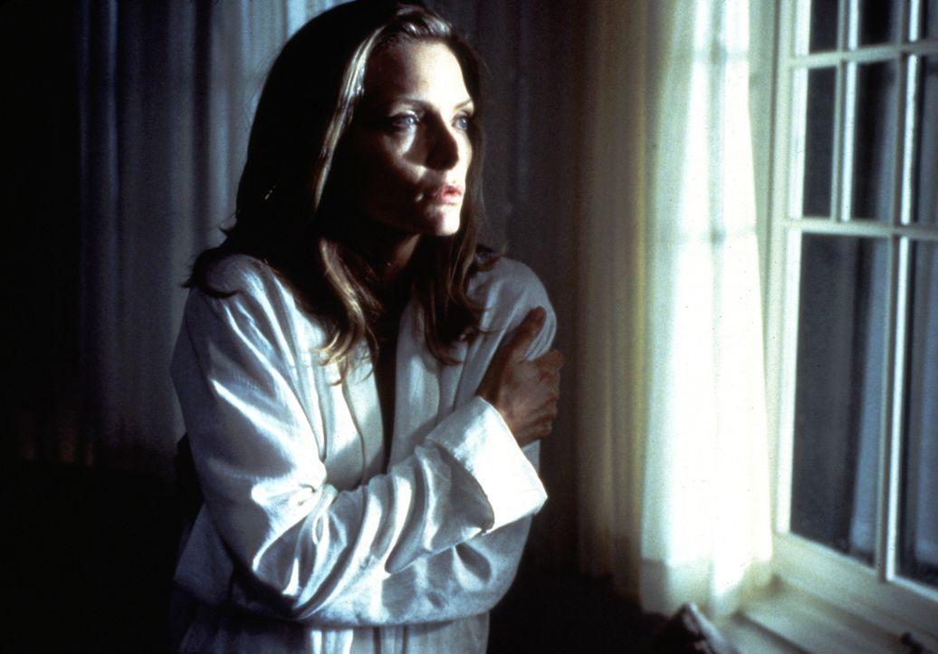 Als die Tochter von Norman und Claire (Michelle Pfeiffer) aufs College geht, ist Claire den ganzen Tag allein zu Hause und beginnt, Stimmen zu höre... - Bildquelle: 20th Century Fox