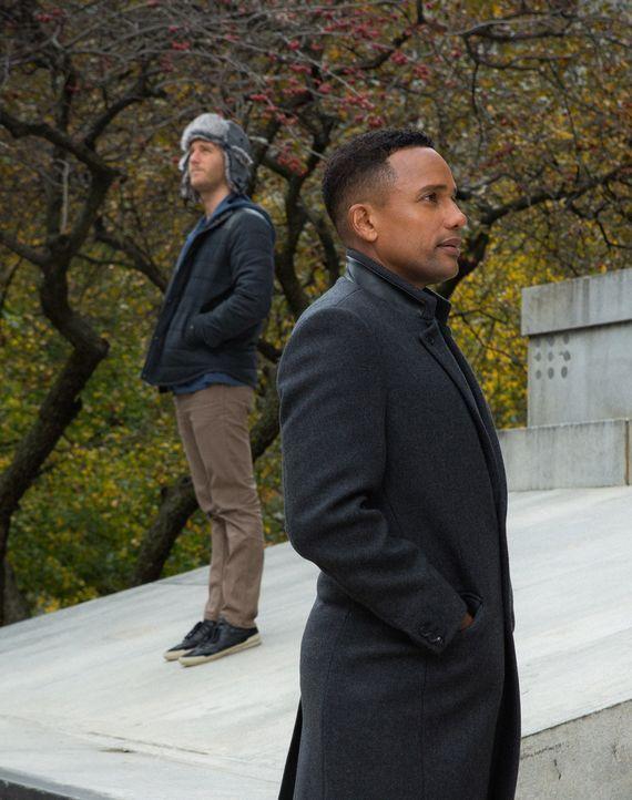 Gemeinsam versuchen sie, die Unschuld von Boyles früherem Armee-Kumpel zu beweisen: Boyle (Hill Harper, r.) und Brian (Jake McDorman, l.) ... - Bildquelle: Giovanni Rufino 2015 CBS Broadcasting, Inc. All Rights Reserved