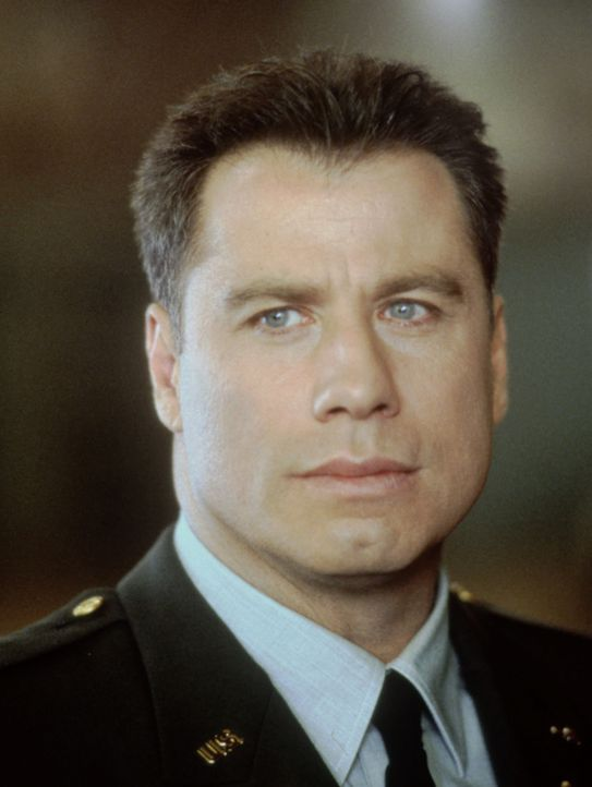 Auf dem Militärstützpunkt Fort McCallum ermittelt der Army-Cop Paul Brenner (John Travolta). Er soll den Tod der Tochter des bekannten Generals Joe... - Bildquelle: TM & Copyright   2017 by Paramount Pictures. All rights reserved.ramount Pictures