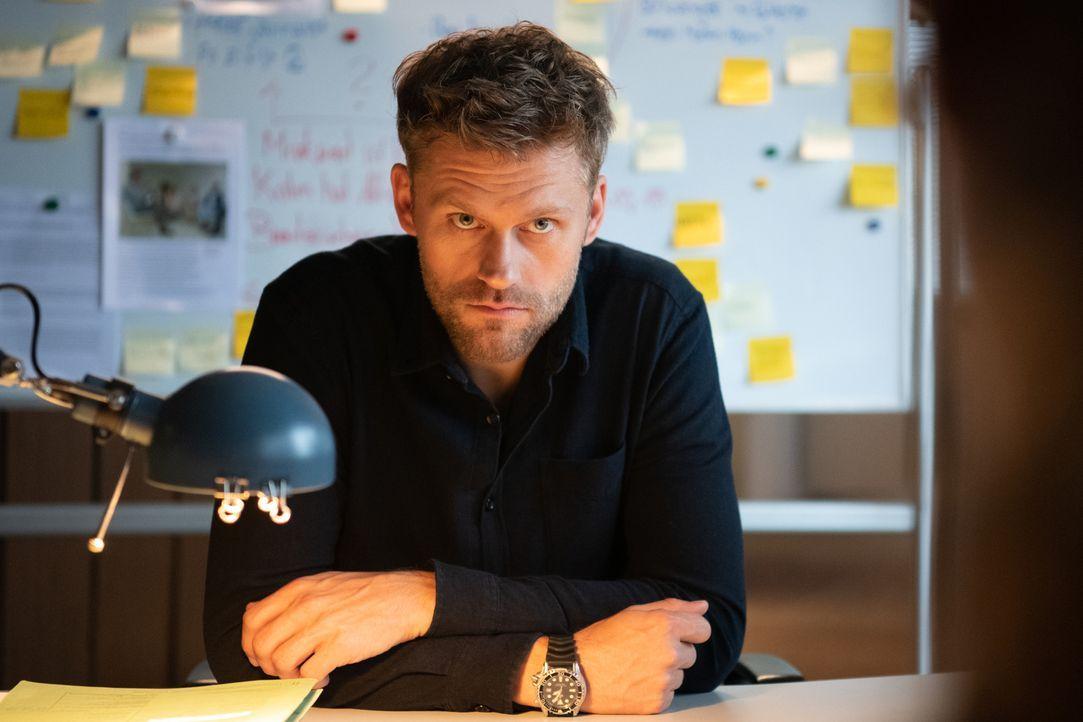 Elias Decker (Jens Atzorn) - Bildquelle: Christoph Assmann SAT.1/Christoph Assmann