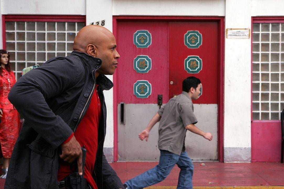 Ein Wettlauf mit der Zeit beginnt: Sam (LL Cool J, l.) ... - Bildquelle: CBS Studios Inc. All Rights Reserved.