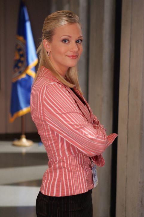 """(1.Staffel) - Unterstützt das Team wo sie nur kann:  Jennifer """"J.J."""" Jareau (A.J. Cook) ... - Bildquelle: Touchstone Television"""