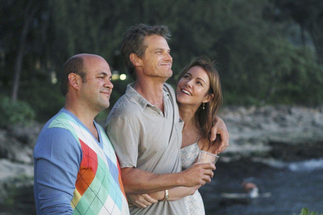 Gute Freunde: Andy (Ian Gomez, l.), Ellie (Christa Miller, r.) und Bobby (Brian Van Holt, M.) ... - Bildquelle: 2010 ABC INC.