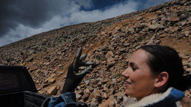 Jeder Stein hilft Amanda Adkins dabei, für ihre Kinder zu sorgen ... © High N...