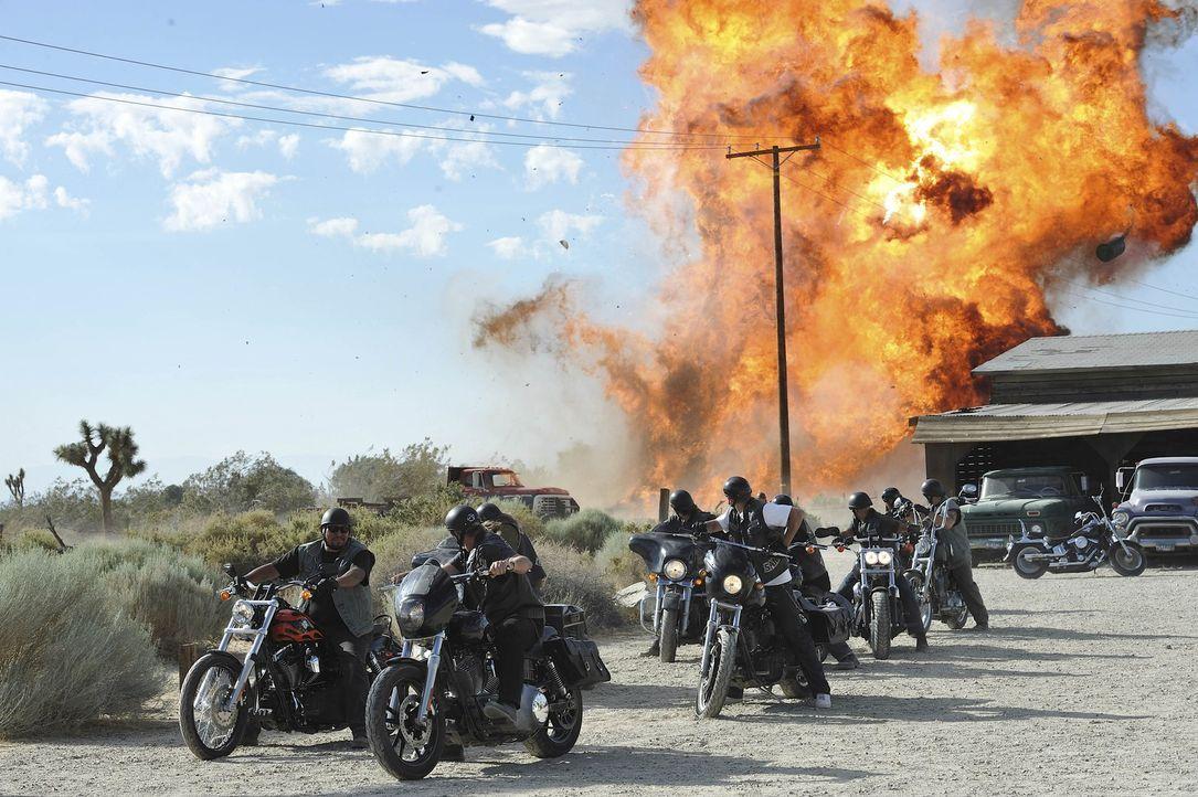 Ihr neuer Deal birgt einige Gefahren, sowohl für das Chapter aus Kalifornien, als auch für die Brüder aus Arizona ... - Bildquelle: 2011 Twentieth Century Fox Film Corporation and Bluebush Productions, LLC. All rights reserved.