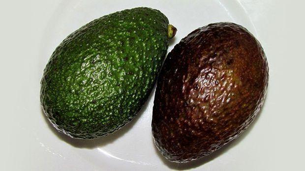 mit diesem trick bringt ihr eine avocado im nu zum reifen. Black Bedroom Furniture Sets. Home Design Ideas