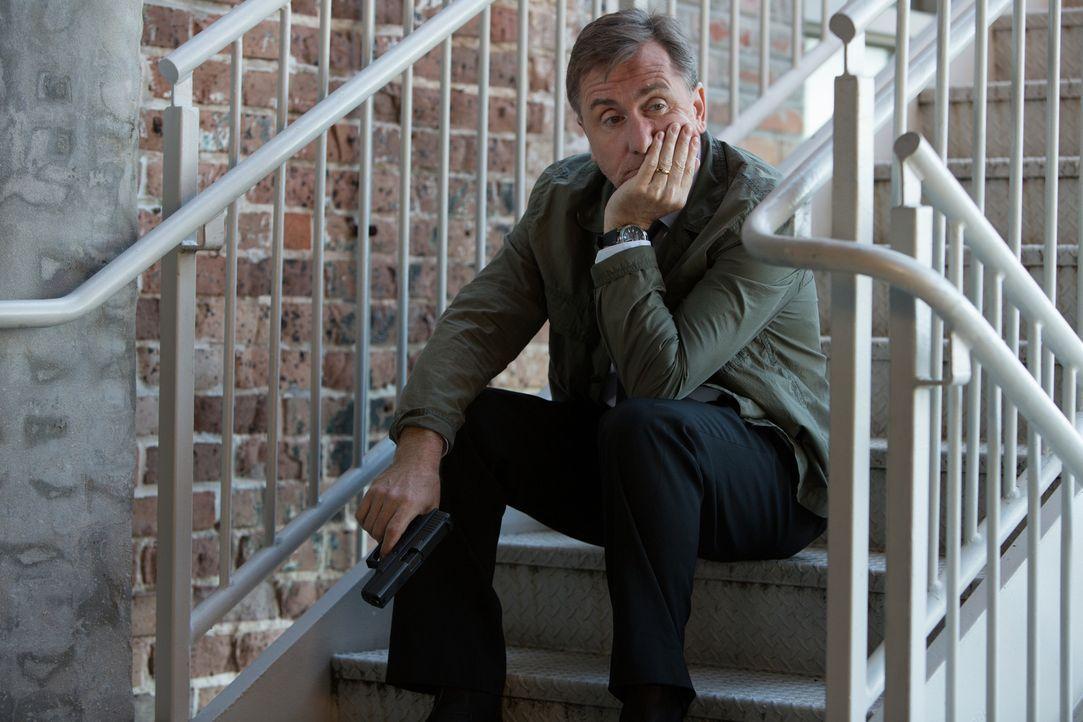 Der ehemalige CIA-Agent Hopper (Tim Roth) hat es auf Francis abgesehen. Auf seiner Jagd nach ihm gibt er sich als Polizist Reynolds aus. Ob das gut... - Bildquelle: Wild Bunch