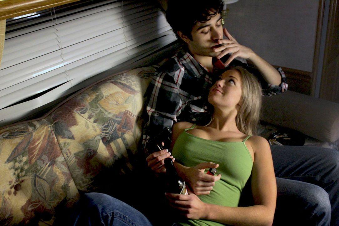 Mitchell Sims und Ruby Padgett wollen einfach nur eine schöne Zeit zusammen verbringen, doch die Vorstellung einer guten Zeit sind für Mitchell Sims... - Bildquelle: M2 Pictures