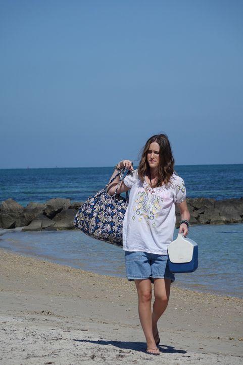 Geht alleine an den Strand - keine gute Entscheidung: Joanne ... - Bildquelle: Alvaro Acosta Cineflix 2014