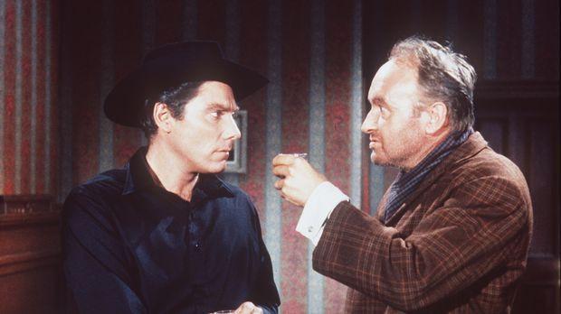 Gilly Maples (Alan Bergmann, l.) und der Gauner Morgan (Ivor Barry, r.) nutze...
