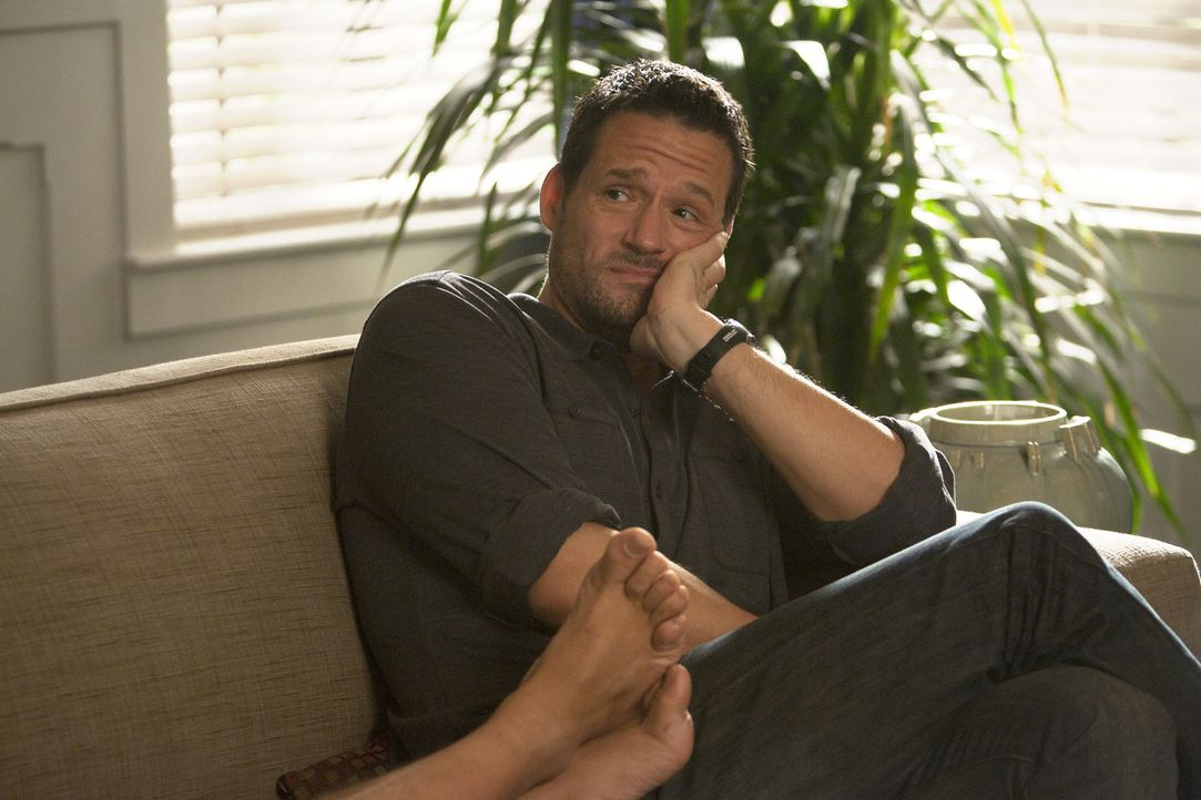 Hofft, dass er sein Haus bald wieder für sich hat: Grayson (Josh Hopkins) ... - Bildquelle: 2010 ABC INC.