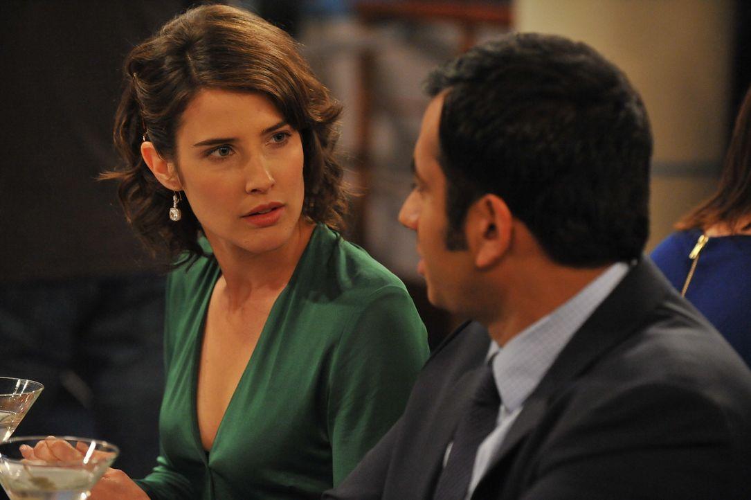Robin (Cobie Smulders, l.) muss eine Entscheidung treffen, die ihre Beziehung zu Kevin (Kal Penn, r.) beenden könnte ... - Bildquelle: 20th Century Fox International Television