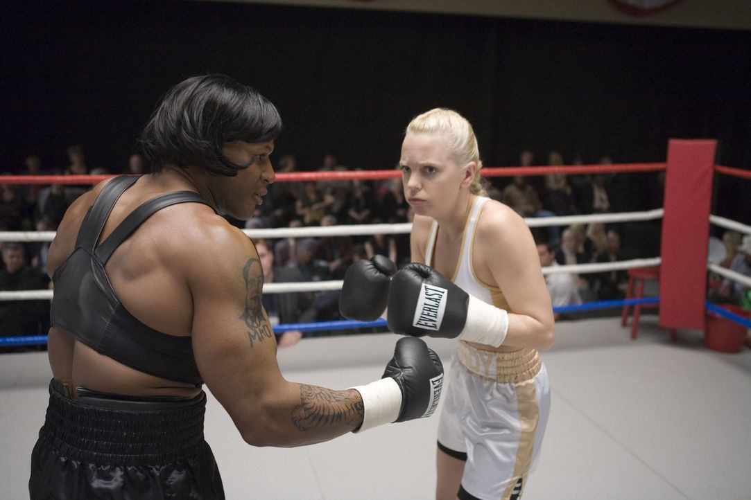 "Ein wahres ""Million Dollar Baby"": Cindy Campbell (Anna Faris, r.) ... - Bildquelle: The Weinstein Company. All Rights Reserved."