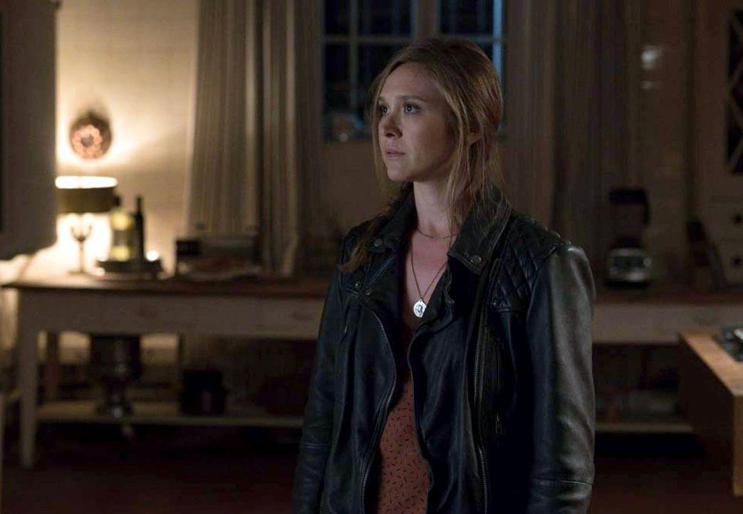 Fordert von Carrie die restlichen Dokumente: Laura (Sarah Sokolovic) ... - Bildquelle: 2015 Showtime Networks, Inc., a CBS Company. All rights reserved.