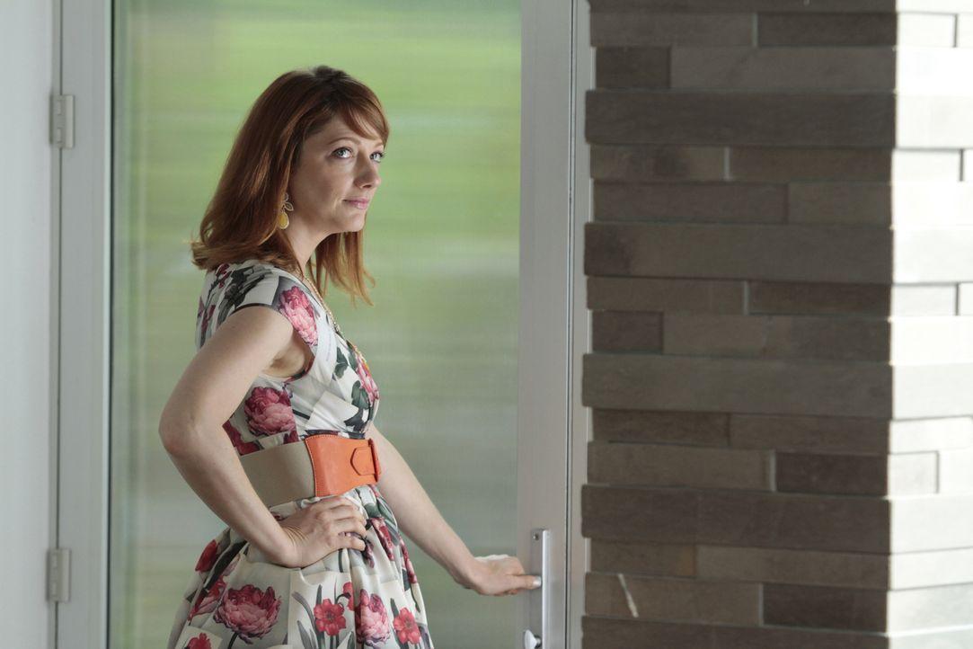 Ms. Newberg (Christine Ebersole) - Bildquelle: Giovanni Rufino 2012 Open 4 Business Productions, LLC. All Rights Reserved./Giovanni Rufino