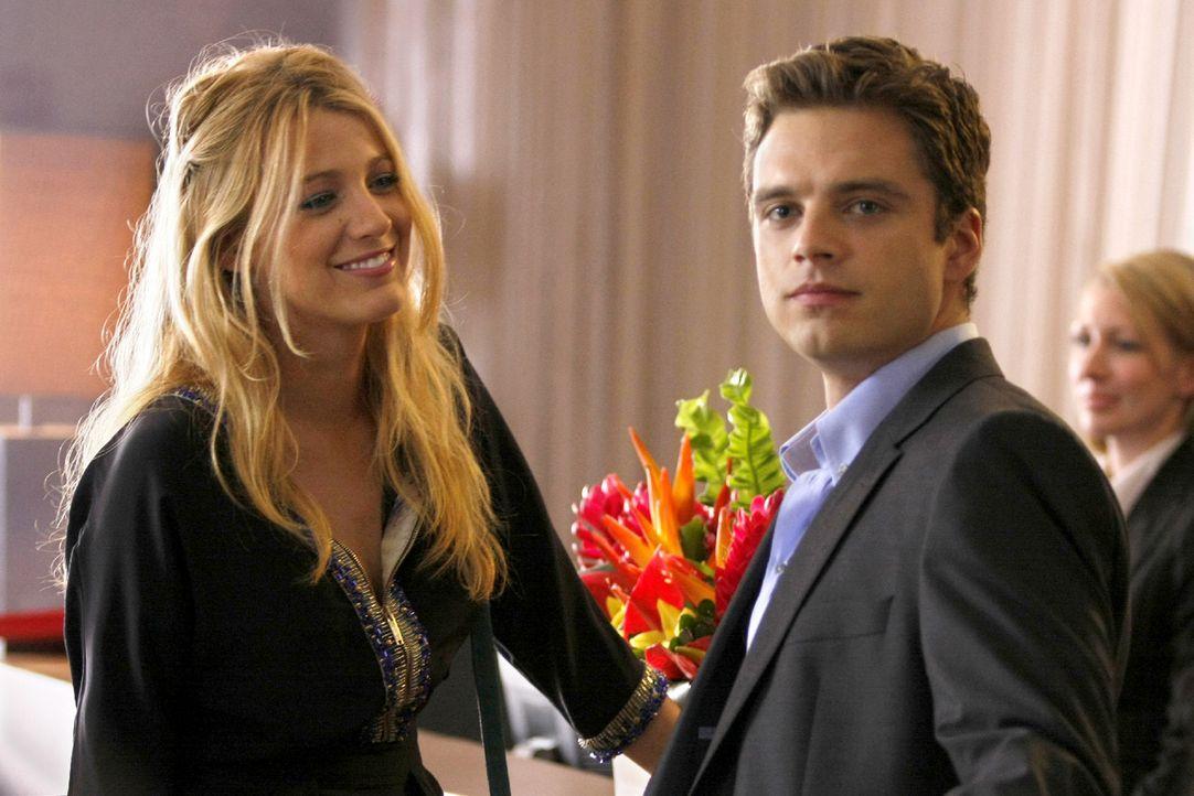 Hat Serena (Blake Lively, l.) in Carter (Sebastian Stan, r.) ihren Prince Charming gefunden? - Bildquelle: Warner Brothers
