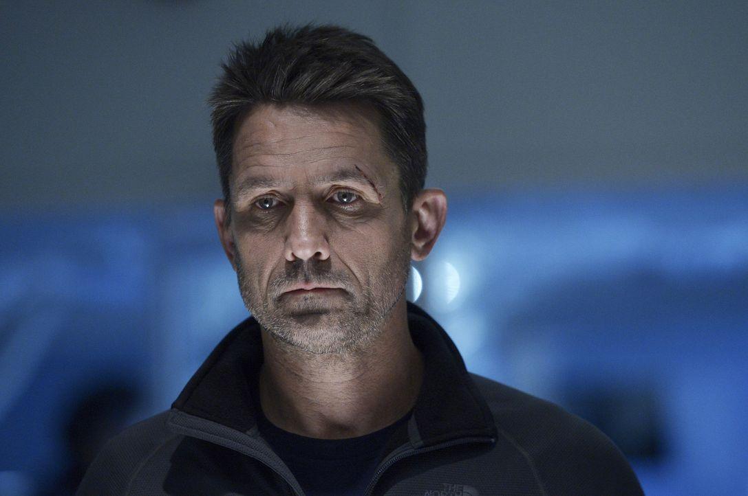 Als Alan (Billy Campbell) erkennt, dass sich der Virus weiterentwickelt hat und auch Ilaria Söldner auf dem Weg sind, ahnt er, dass ihre Überlebensc... - Bildquelle: 2014 Sony Pictures Television Inc. All Rights Reserved.