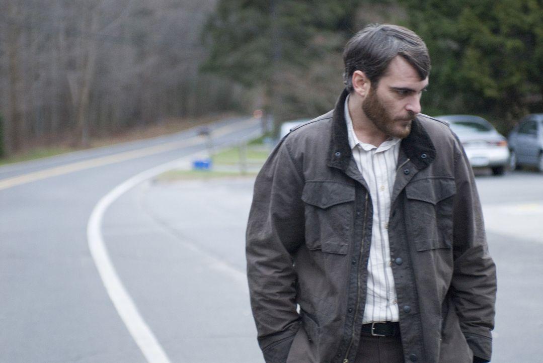 Auf dem Heimweg von einem Konzert wird Ethans (Joaquin Phoenix) Sohn an einem Rastplatz überfahren, der Unfallfahrer flüchtet sofort. Der College-Pr... - Bildquelle: TOBIS Film