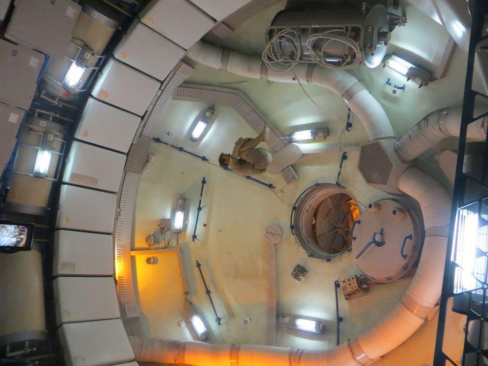 Don Wildman zeigt die Raumkapsel eines heldenhaften Astronauten ... - Bildquelle: 2014, The Travel Channel, L.L.C. All Rights Reserved.