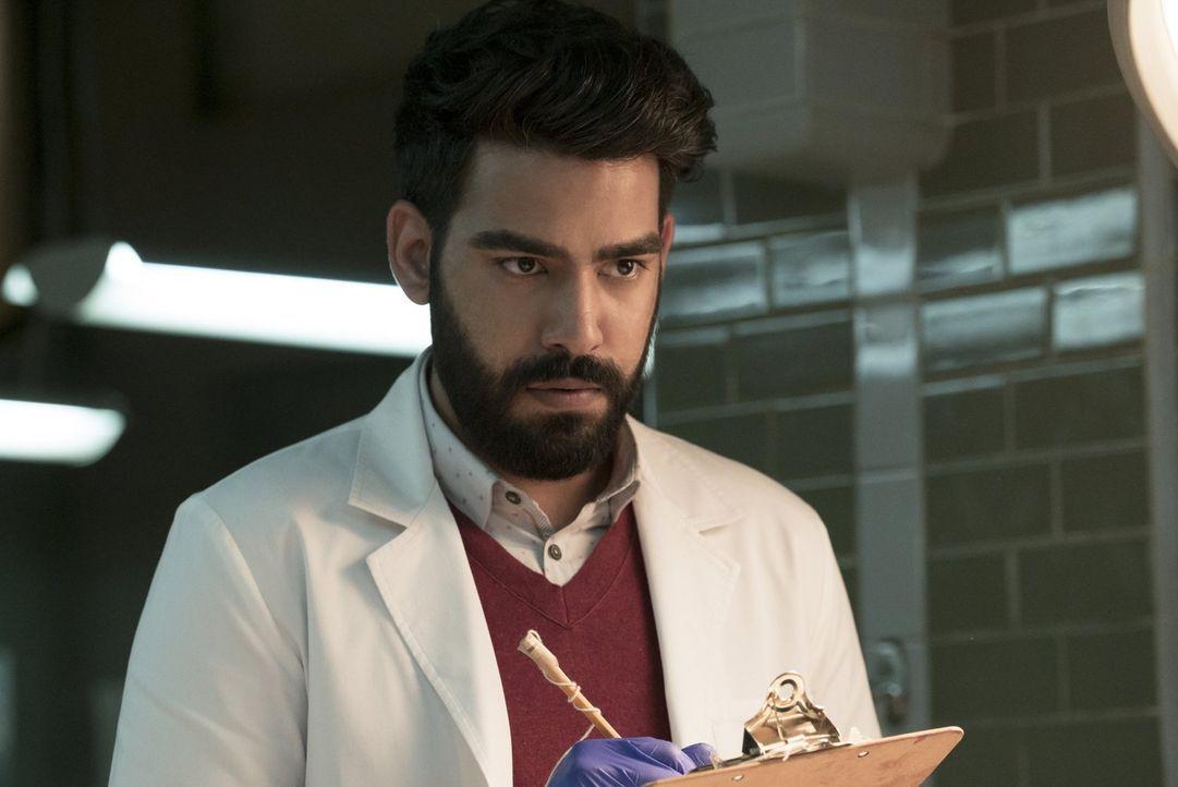 Ravi (Rahul Kohli) hat mit seinen Gefühlen zu kämpfen, nachdem er erkannt hat, dass zwischen Peyton und Blaine etwas lief ... - Bildquelle: 2017 Warner Brothers