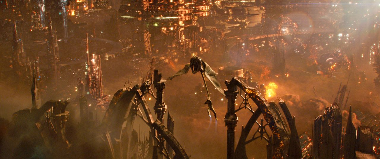 Jupiter-Ascending-19-Warner-Bros-Entertainment-Inc - Bildquelle: 2014 Warner Bros. Entertainment Inc
