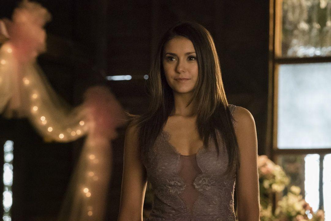 Elena (Nina Dobrev) versucht, mit ihrer neuen Menschlichkeit klarzukommen und muss auch ihrer neuen Verletzlichkeit ins Auge blicken ... - Bildquelle: Warner Bros. Entertainment, Inc