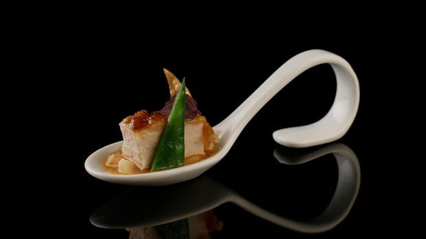 The-Taste-Stf02-Epi02-Haehnchen-mit-Honig-Rosina-20-SAT-1- Young-Soo- Chang