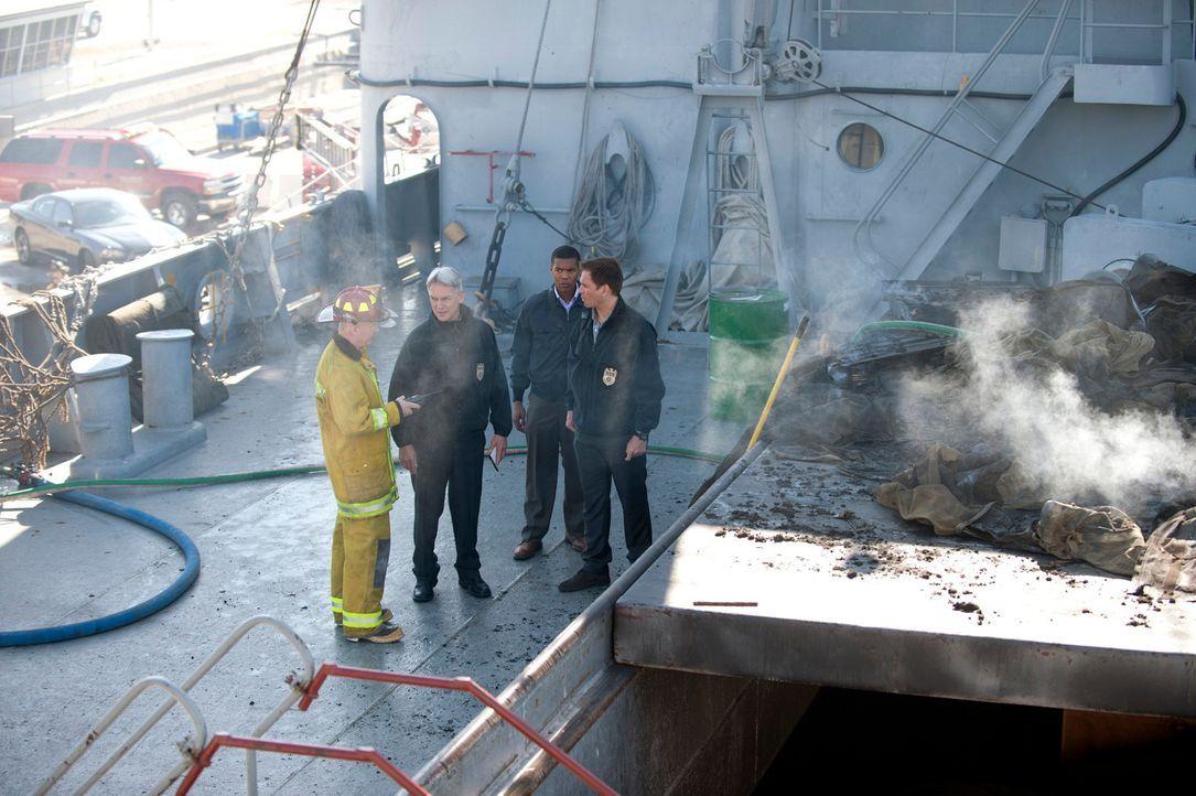 Ein Brand in einem Lagerhaus bringt vermisste Navy Dokumente zutage, die eine potentielle Bedrohung für die nationale Sicherheit sind. Die Ermittlun... - Bildquelle: 2012 CBS Broadcasting Inc. All Rights Reserved.