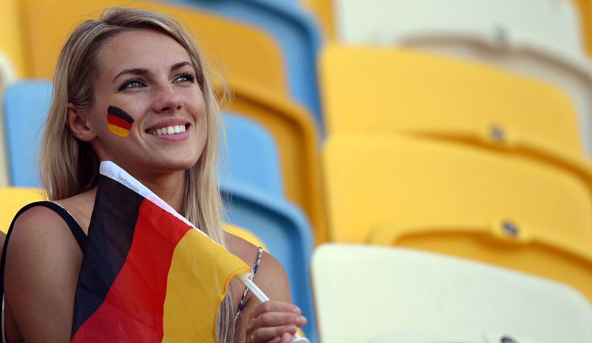 Fußball-Fans-Deutschland-4 - Bildquelle: dpa