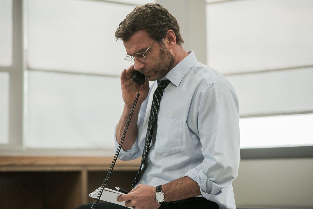 """Als der neue Chefredakteur Marty Baron (Liev Schreiber) beim """"The Boston Globe"""" anfängt, setzt er sein Investigativ-Team """"Spotlight"""" auf einen ganz... - Bildquelle: Kerry Hayes 2015 Paramount Pictures. All Rights Reserved./Kerry Hayes"""