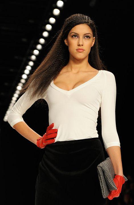 fashion-week-berlin-12-01-20-rebecca-dpajpg 1240 x 1900 - Bildquelle: dpa