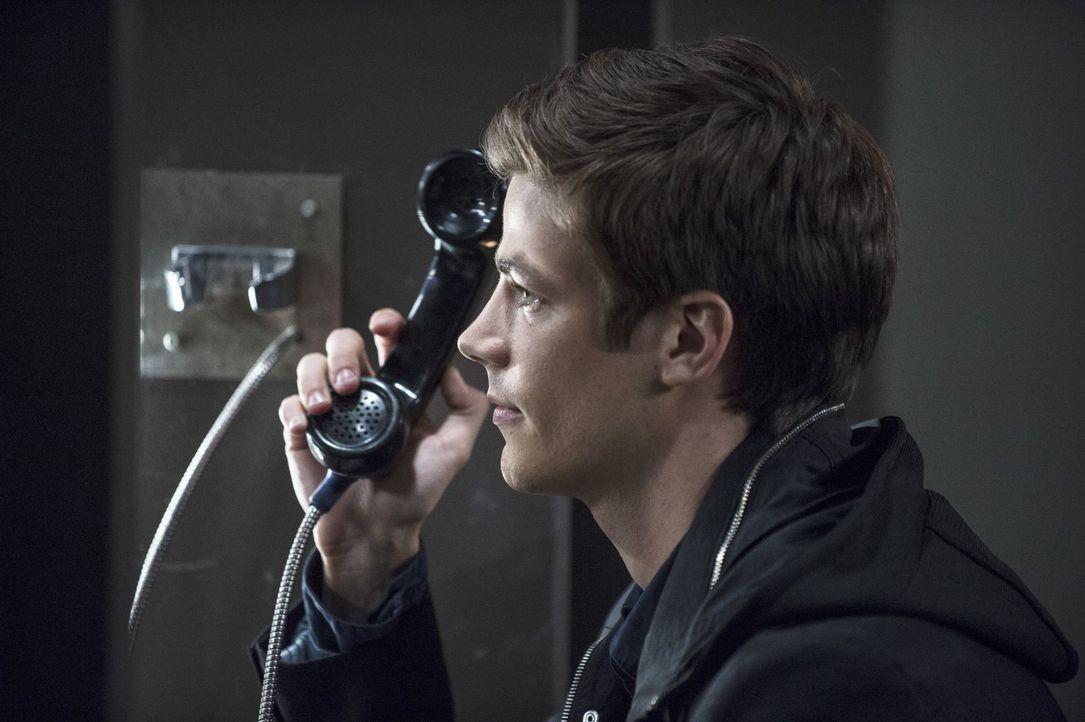Gibt nicht auf, um die Unschuld seines Vaters zu beweisen: Barry (Grant Gustin) ... - Bildquelle: Warner Brothers.