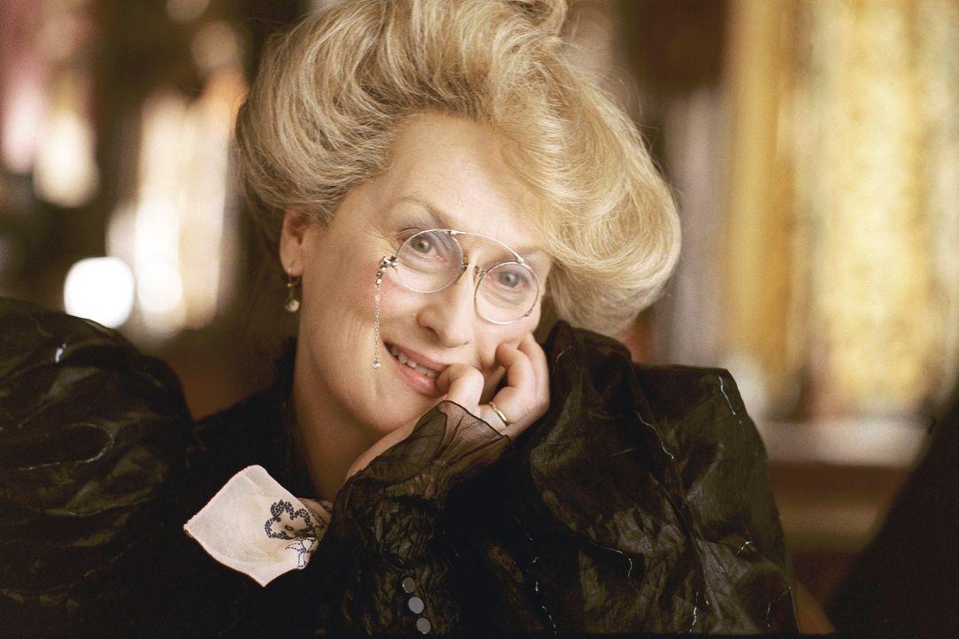 Tante Josephine (Meryl Streep) stellt aus lauter Angst vor einer Explosion niemals ihren Herd an, aber gibt sich dafür furchtlos ihrer Leidenschaft... - Bildquelle: Copyright   2004 by  DREAMWORKS LLC  and PARAMOUNT PICTURES CORPORATION.  All Rights Reserved.