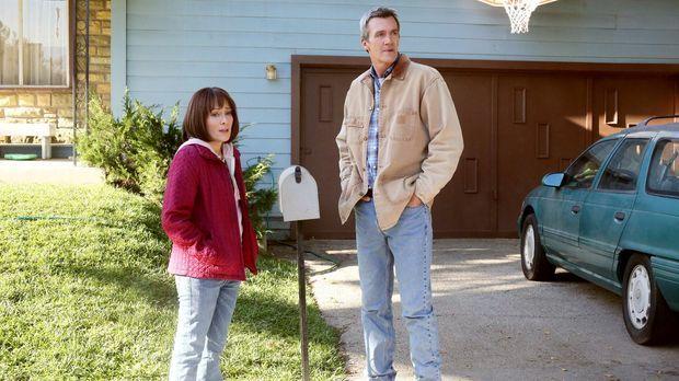 Frankie (Patricia Heaton, l.) und Mike (Neil Flynn, r.) machen sich Sorgen, d...